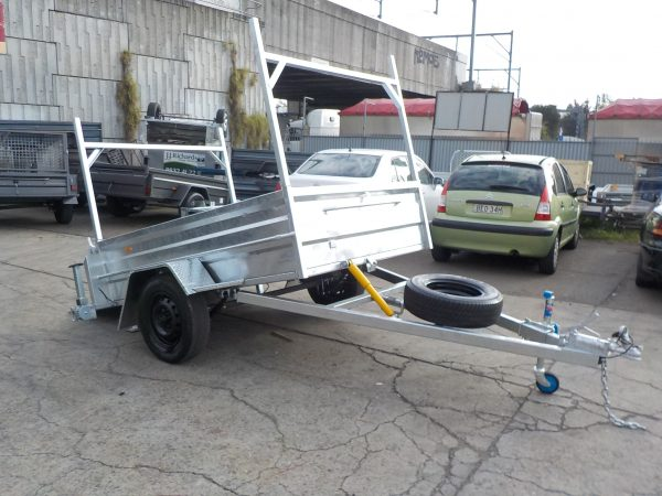 7 x 5 Galvanized Golf Type with Racks 1