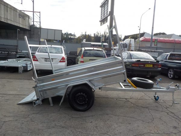 7 x 5 Galvanized Golf Type with Racks 2